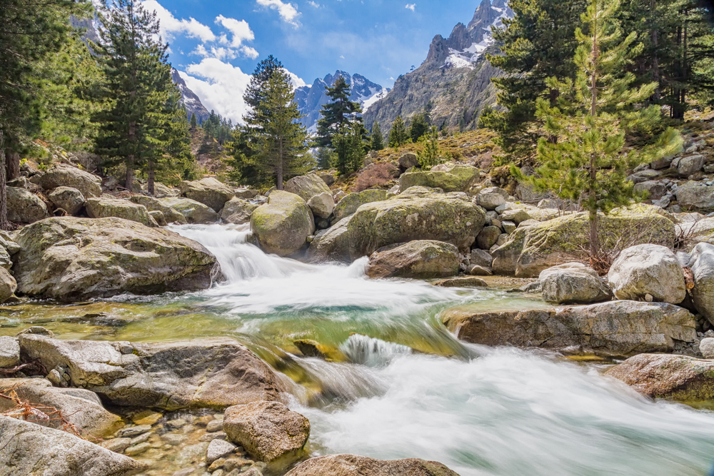 Una tipica cascata della Corsica