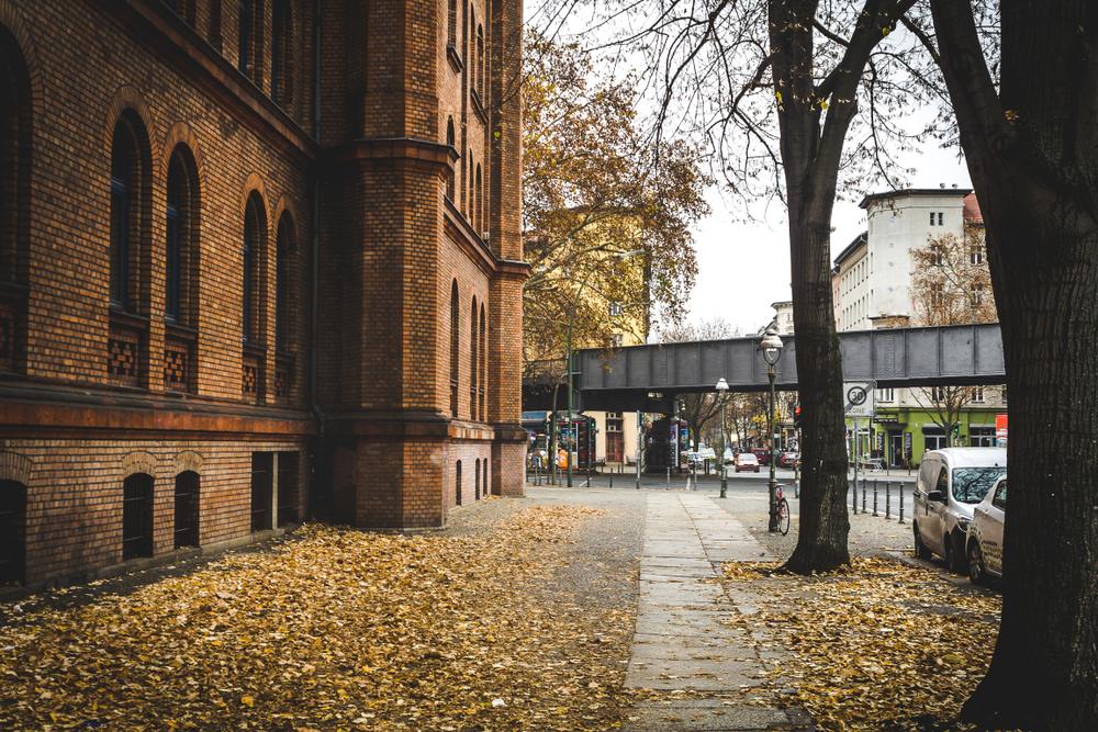 Una strada di Berlino in autunno